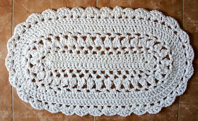Овальный коврик из капроновой веревки